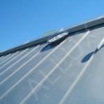 světlovod ALLUX 550 - instalace v šikmé střeše s rovným plechem